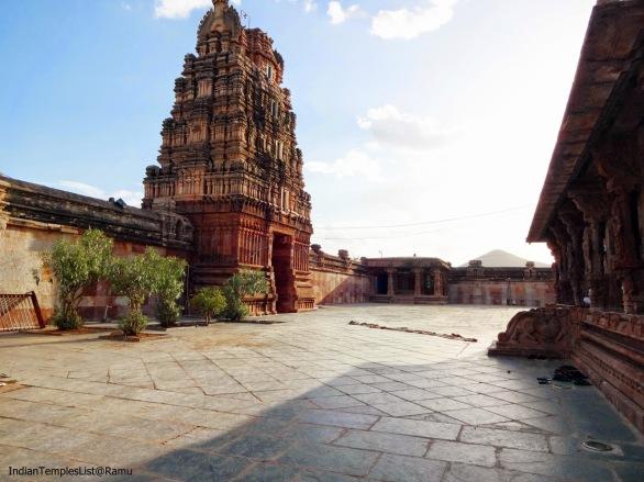 http://4.bp.blogspot.com/-AnFOkcRg6KI/U6jpcT3JmuI/AAAAAAAAAsA/LoZkG5vuezU/s1600/Vontimitta+Sri+Kodandarama+Swamy+temple+(11).JPG